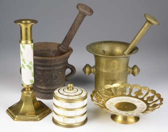 Set of metal objects