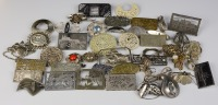 Collection of brooches - 42 pieces []