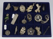 Collection of filigree brooches []
