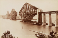 Dvojice fotografií ze stavby The Forth Bridge [John Patrick (1830-1923)]